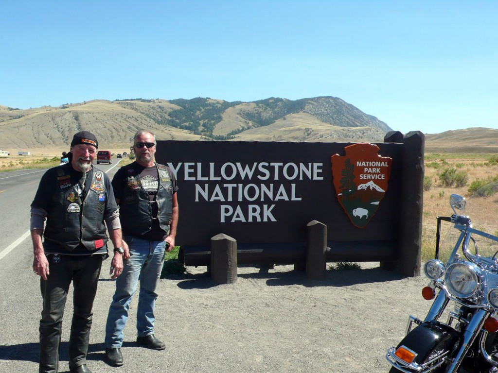 Rental-Riders-at-Yellowstone